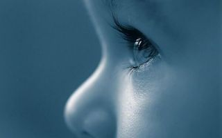 Почему возникает врожденная глаукома и насколько она опасна для зрения ребенка