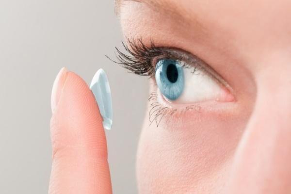 Боли в глазах от линз
