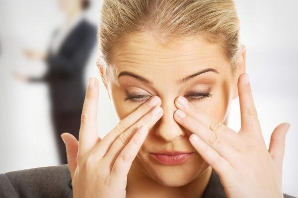 Зуд и боль органа зрения