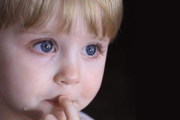 Слезы у ребенка