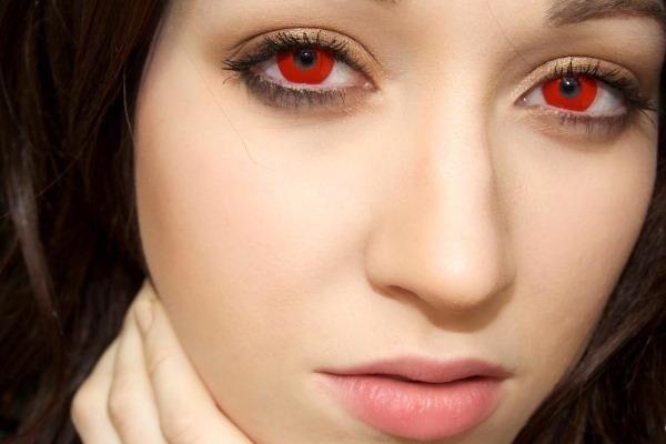 Аксессуары для глаз красного цвета
