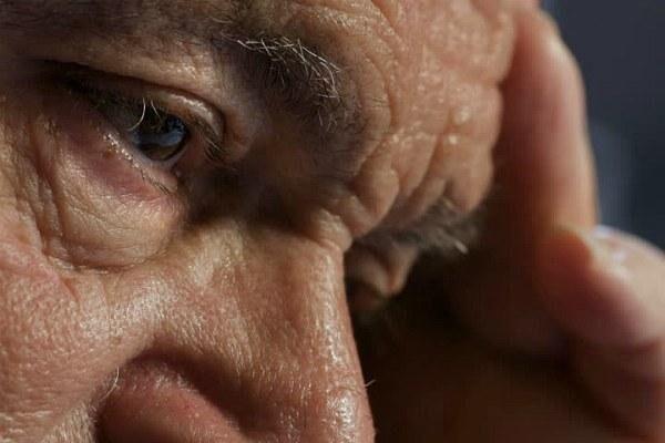Заднекапсулярная катаракта у пожилого мужчины