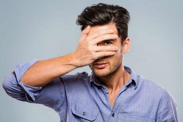 Офтальмомикоз у мужчины